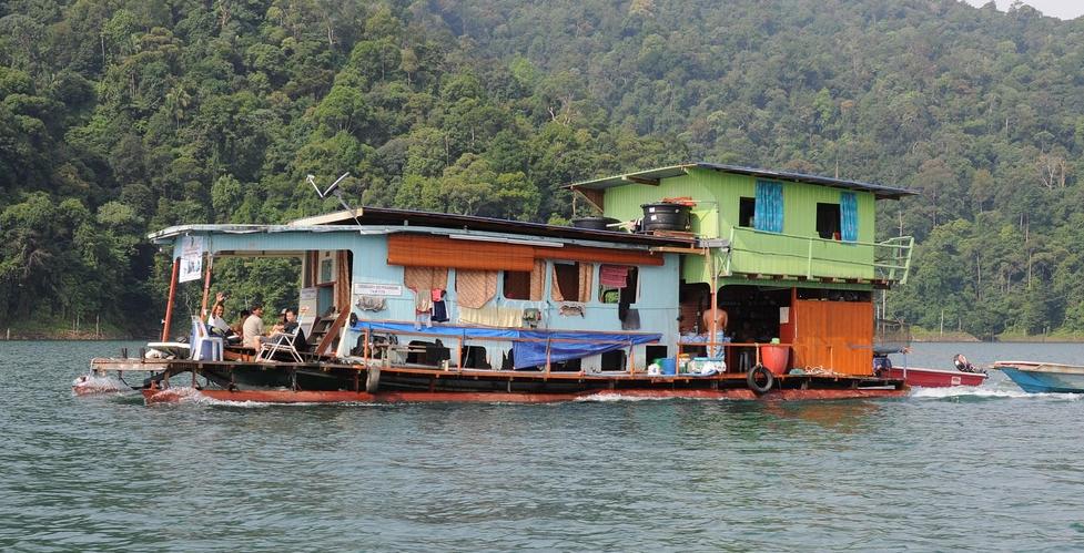 Lake Kenyir houseboat, Malaysia