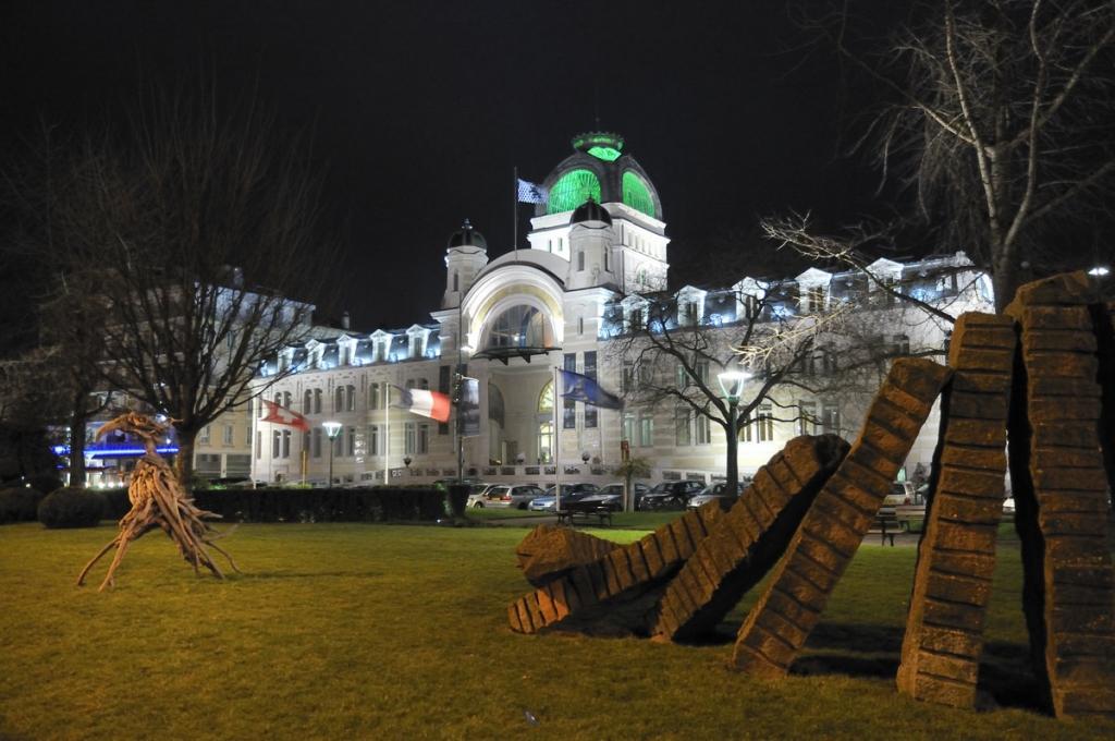 Le Palais Luimiere