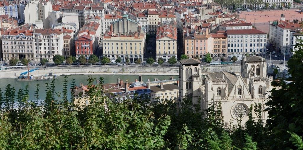 Lyon 01