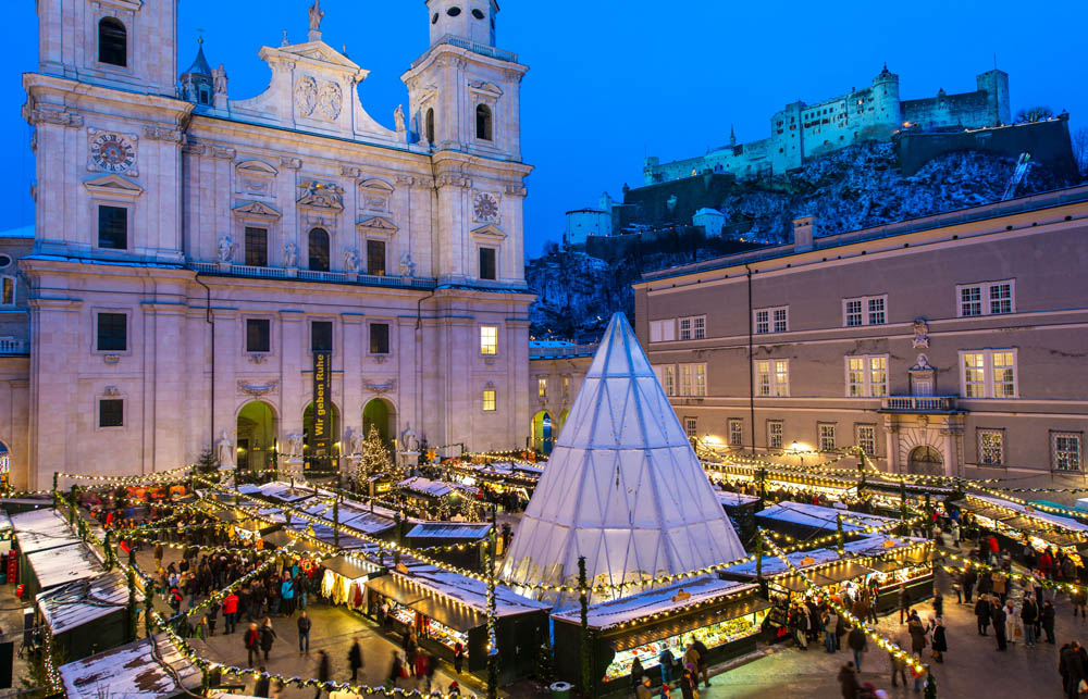 The Christkindlmarkt in Salzburg has such a magical setting © Salzburg Tourismus