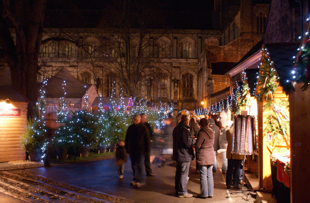 Christmas market at Winchester © David Spender - source: www.flickr.com, Licence (CC-BY-2.0)