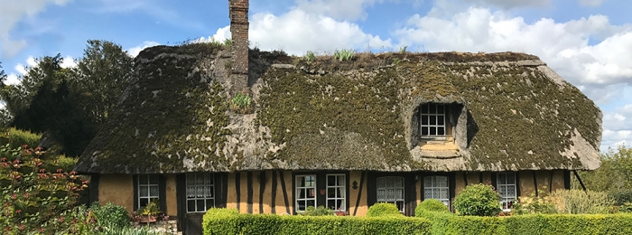 Review: Le Chardonneret Chaumiere – a thatched cottage