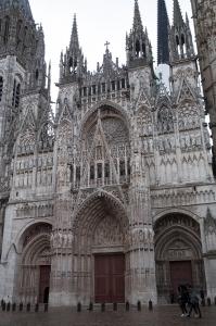 Facade of Roeun Cathedral